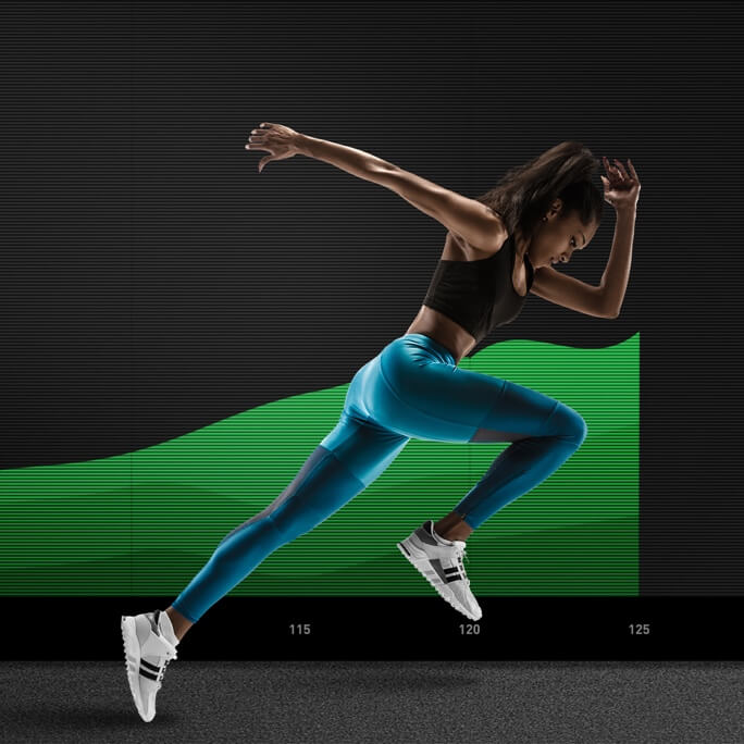 a female runner mid sprint